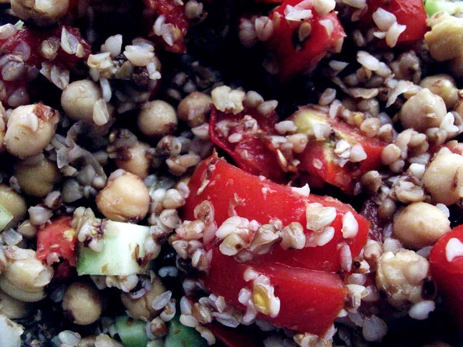 Salata od heljde i slanutka